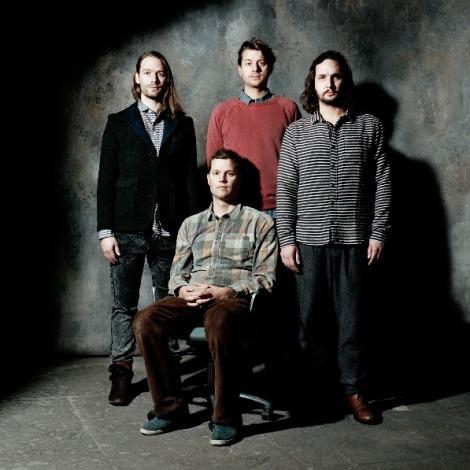 Tres artistas y un físico (sentado). De izquierda a derecha: Dan Henriksson, Georg Herlitz, Axel Boman y Kristofer Hagbard