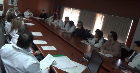 Reunión del comité de tumores del CHPC, donde se decide el tratamiento que se aplica a los pacientes, entre ellos la RIO