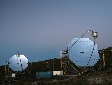 Los Telescopios Cherenkov MAGIC en la Isla de La Palma. Uno de los mayores observatorios de fotones de muy alta energía del mundo.