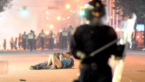 Vancouver Riot Kiss (2011) R. Lam