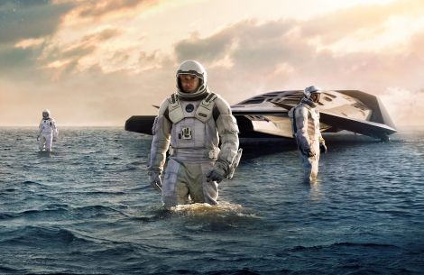 Pequeña nave Ranger en el planeta de Miller. Fuente: interstellar-movie.com.