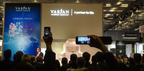 Presentación del nuevo acelerador lineal de electrones VitalBeam de Varian