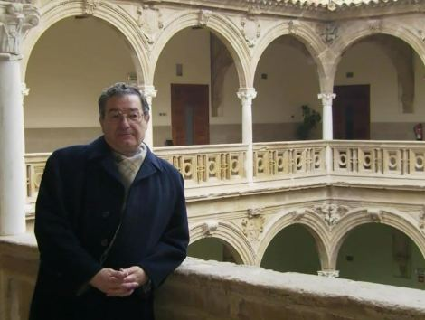 """En el magnífico patio del Palacio de Jabalquinto, en Baeza, sede permanente de los cursos """"Fundamentos de Física Médica"""" que la SEFM organiza anualmente."""