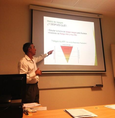 Carlos Prieto en la útltima charla de la jsesión de la tarde